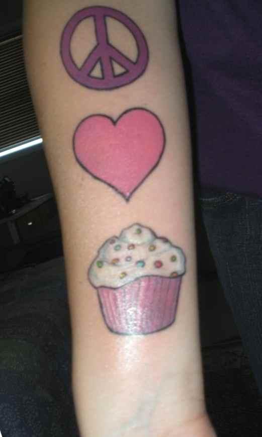 Cupcake & heart tattoo