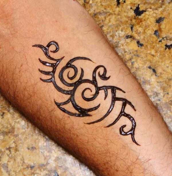 Tattoo henna below the elbow
