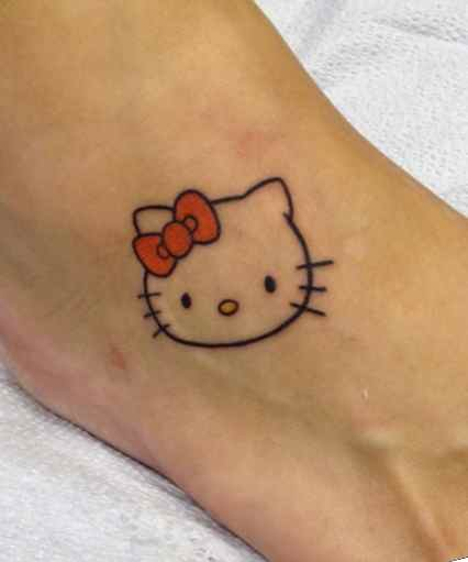 Cute tattoo ideas for girls on foot
