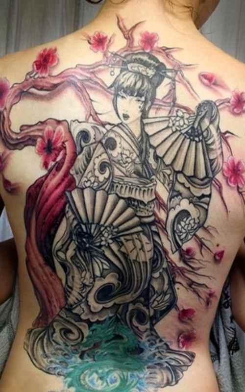 Gesiha tattoo with tree